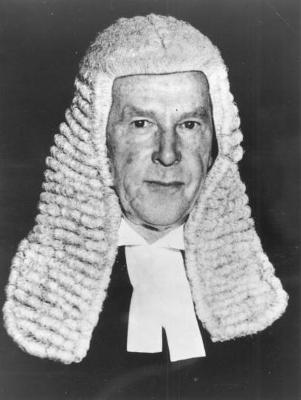 6,134 days Sir Garfield Barwick Longest servin...